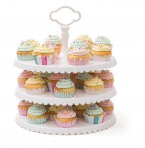 320093_STF_CupcakeCaddy_StackedCupcakes