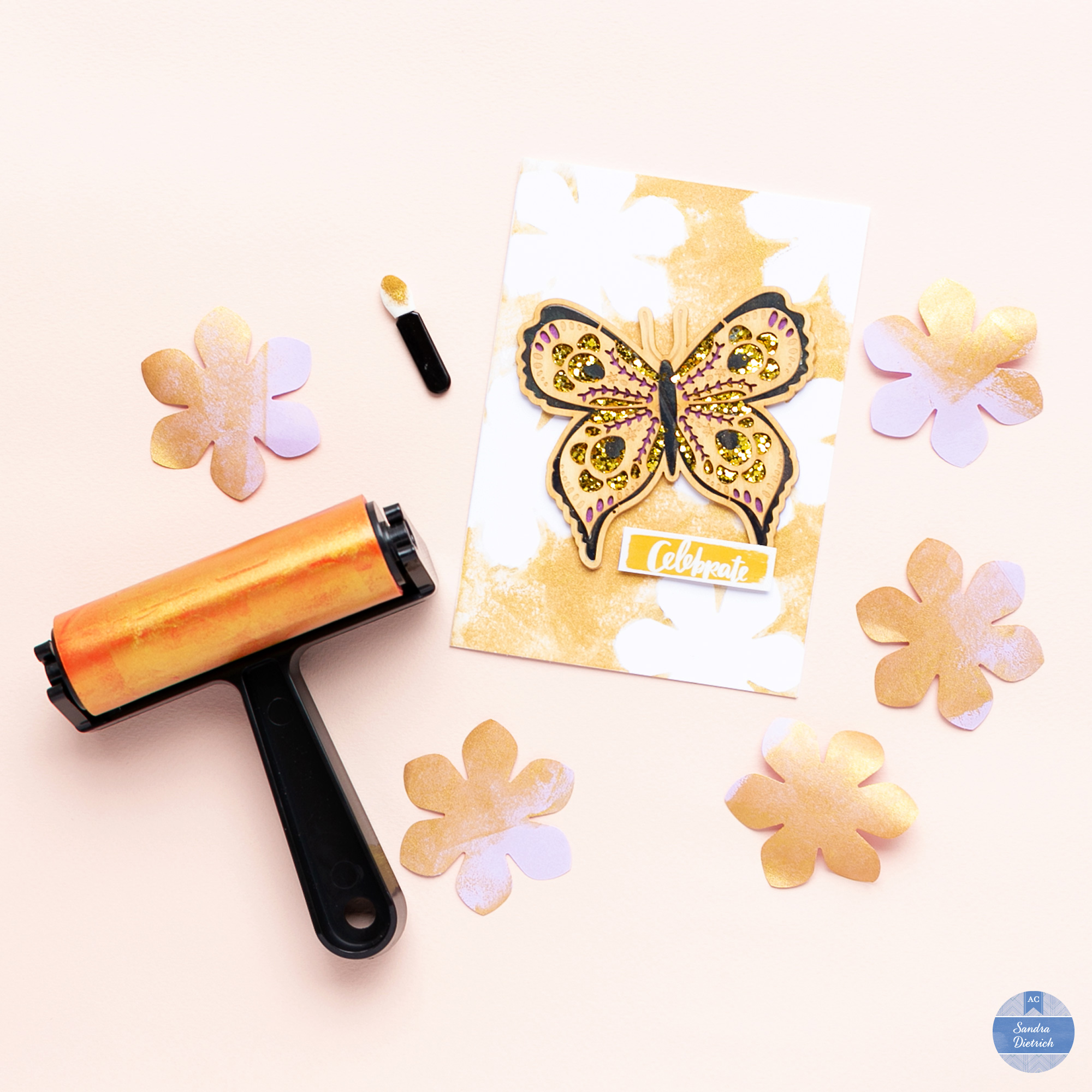 Finished card by @mojosanti for @american crafts. Nice floral background created with ink and the 'DIY Shop' brayer.